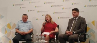 Executive Director of Europe without Barriers Iryna Sushko, Head of the State Migration Service Maxym Sokoliuk, First Deputy Head of the State Border Guard Service Vasyl Servatiuk, June 11, 2018, Kyiv